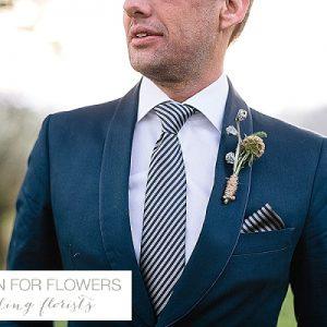 kingscote barn rustic buttonholes wedding flowers