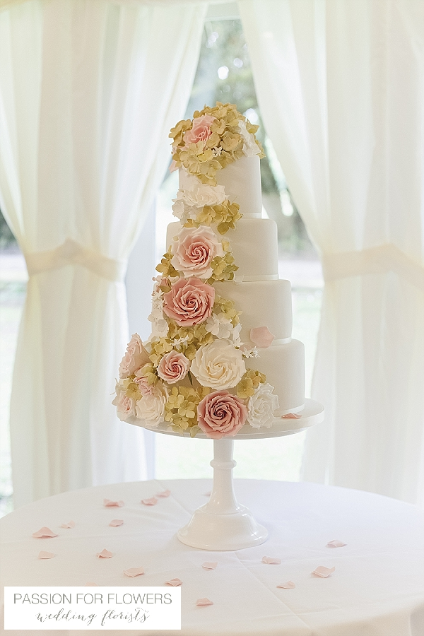 new hall wedding cake