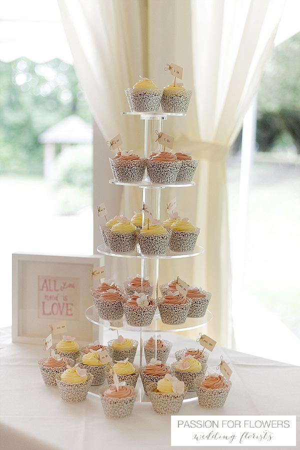 new hall wedding cakes