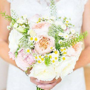 peach green wedding bouquets wedding flowers passion for flowers