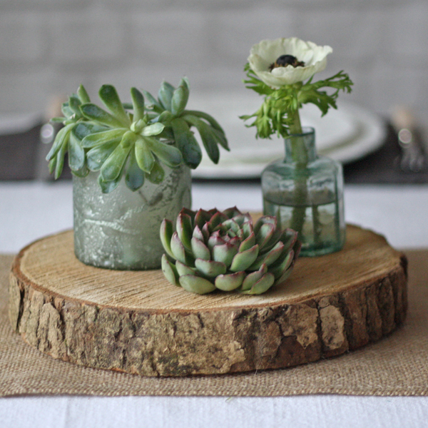 tree slice rustic wedding centrepiece