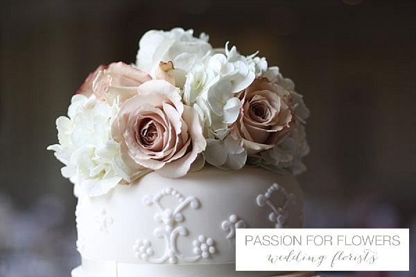 vintage roses cake flowers wedding flowers