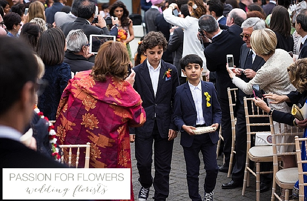 wethele manor outdoore wedding ceremony flowers