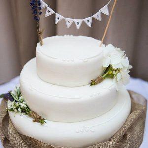 Cripps Barn rustic Wedding cake Flowers