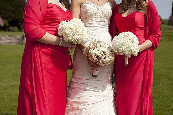 nude roses wedding buquets white hydrangea bouquets
