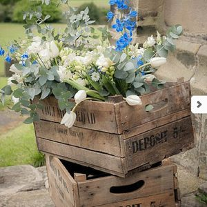 sandon hall rustic crates wedding flowers