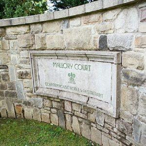 Mallory Court Passion weddings