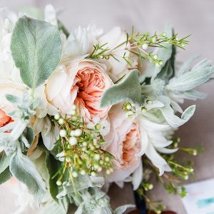 coral mint green peach wedding flowers bouquets