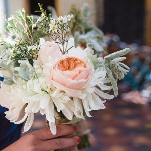 peach roses grey bouquets wedding