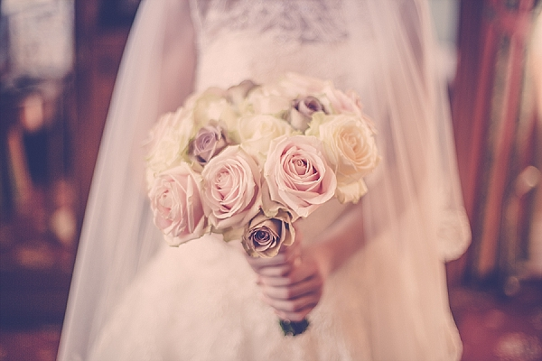 light pink roses cream roses wedding bouquets