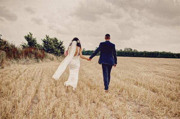 shustoke farm barns summer wedding florist passion for flowers field photos