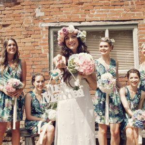 summer wedding flowers bouquets bright pink blue watercolour shustoke farm barns summer wedding florist passion for flowers