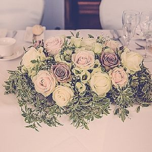 top table wedding flowers vintage glamour wroxall abbey
