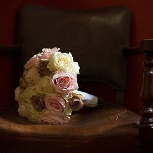 wroxall abbey wedding flowers vintage glamour pink cream rose bouquets