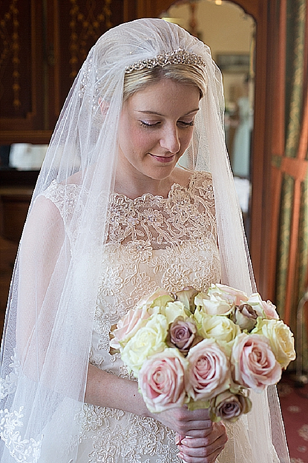 wroxall abbey wedding flowers vintage glamour pink cream roses brides bouquet