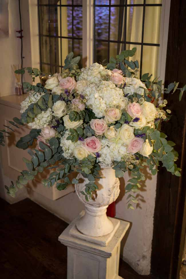 stone urn bristmorton court wedding flowers by Passion for Flowers