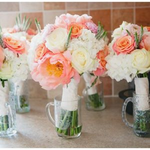 coral-wedding-bouquets-peonies-roses
