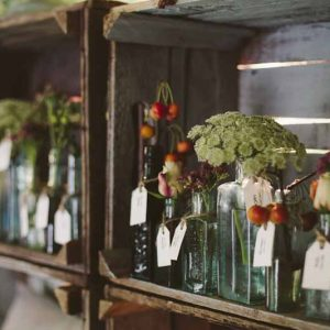 Escourt cards flowers in bottles by Passion for Flowers (2)