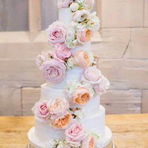 Peach Bluch pink roses wedding cake flowers full cake decoration Hampton Manor Wedding Flowers Passion for Flowers (2)