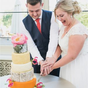 Cheese Cake Wedding FlowersPassion for Flowers Kilworth House Wedding Florist (23)