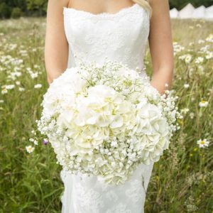 white hydrangea wedding bouquets by passion for flowers @kmorganflowers