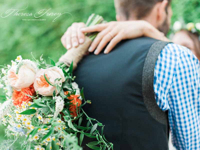 Bright summer wedding flowers orange and peach bouquet by Passion for Flowers @kmorganflowers