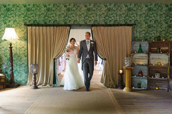 barn-wedding-ceremony-with-curtains-hampton-manor