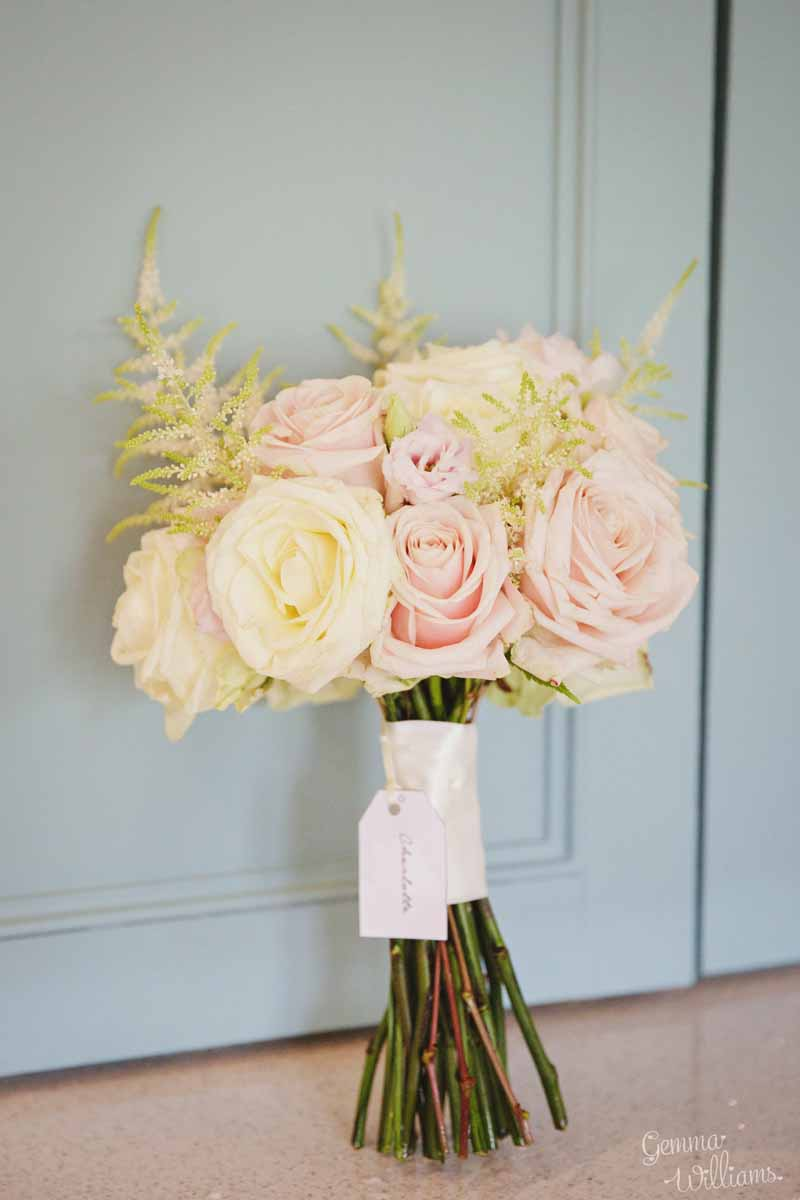 Blush-pink-and-cream-rose-bouquet-by-Passion-for-Flowers-@kmorganflowers