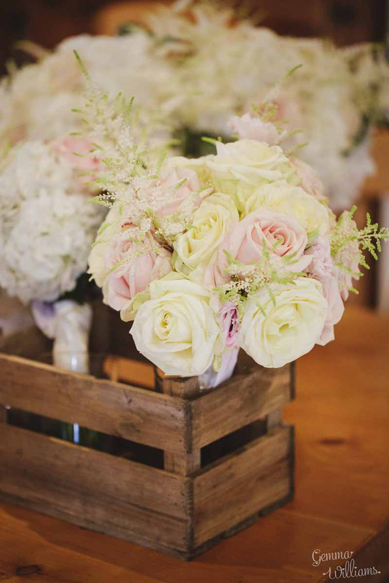 Blush-pink-and-cream-rose-bouquest-delivered-in-wooden-crate-by-Passion-for-Flowers-@kmorganflowers
