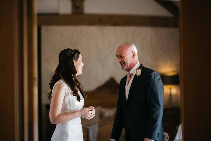 bride-and-father-first-look