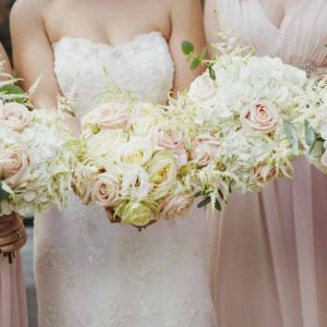Bridesmaids-bouquets-soft-pink-roses-blush-pink-dresses