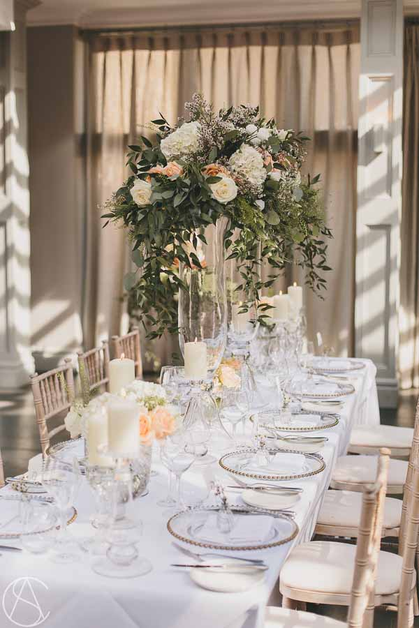 elegant-glass-vases-long-tables-for-weddings-hampton-manor-wedding-florist-passion-for-flowers-12