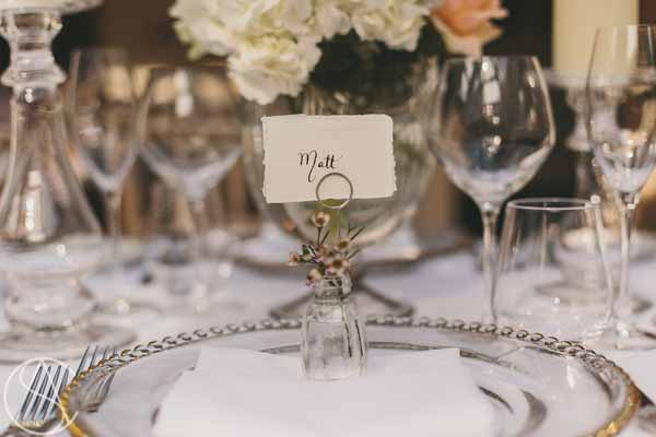 elegant-wedding-place-setting-bud-vase-with-flowers-hampton-manor-wedding-florist-passion-for-flowers-15