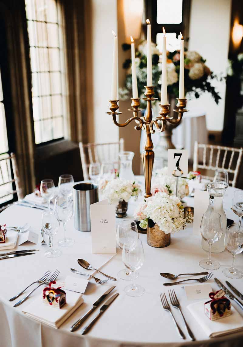 gold-candelabra-wedding-centrepieces-by-passion-for-flowers-kmorganflowers