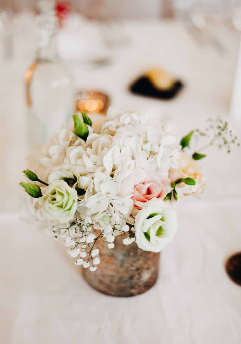 gold-vases-of-white-hydrangeas-blush-pink-lisianthus-wedding-centrepieces