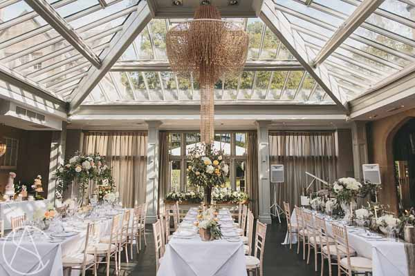 hampton-manor-wedding-florist-passion-for-flowers-long-tables