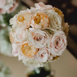 peach-and-blush-pink-rose-bouquets