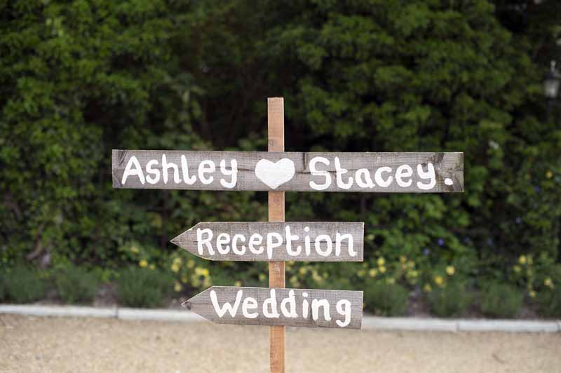 rustic-wooden-wedding-arrow-sign