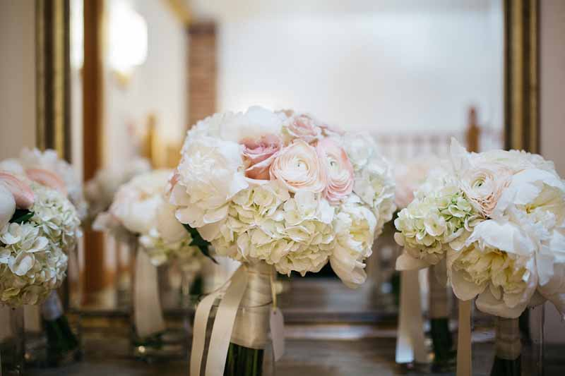 white-hydrangeas-and-roses-bouquets-with-trailing-ribbons-by-passion-for-flowers-1