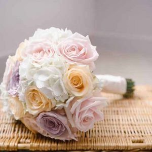 white-hydranges-and-rose-bouquets-by-passion-for-flowers-1