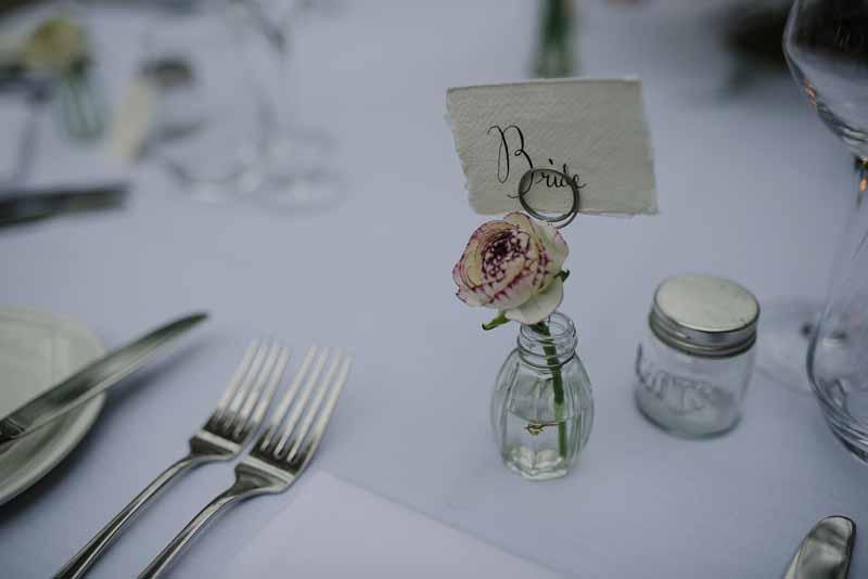 Tiny glass bud vases for elegant weddings (1)