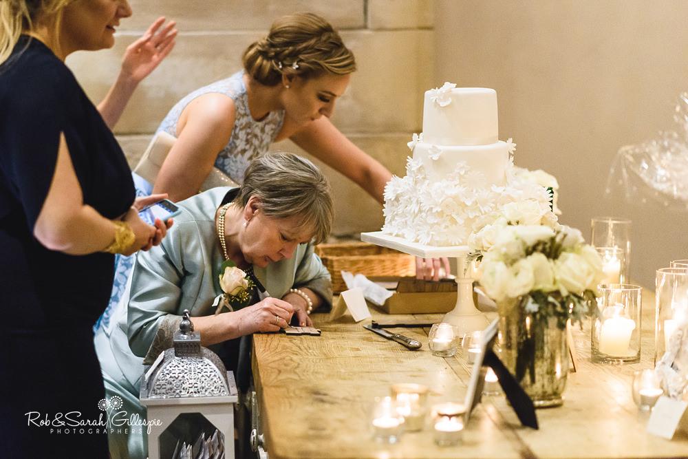 Hampton Manor wedding florist Passion for Flowers (36)