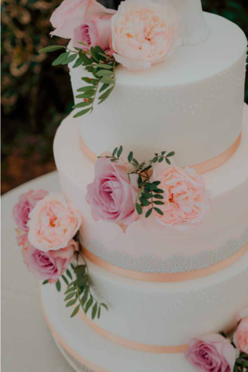 Summer garden rose wedding cake flowers Passion for Flowers