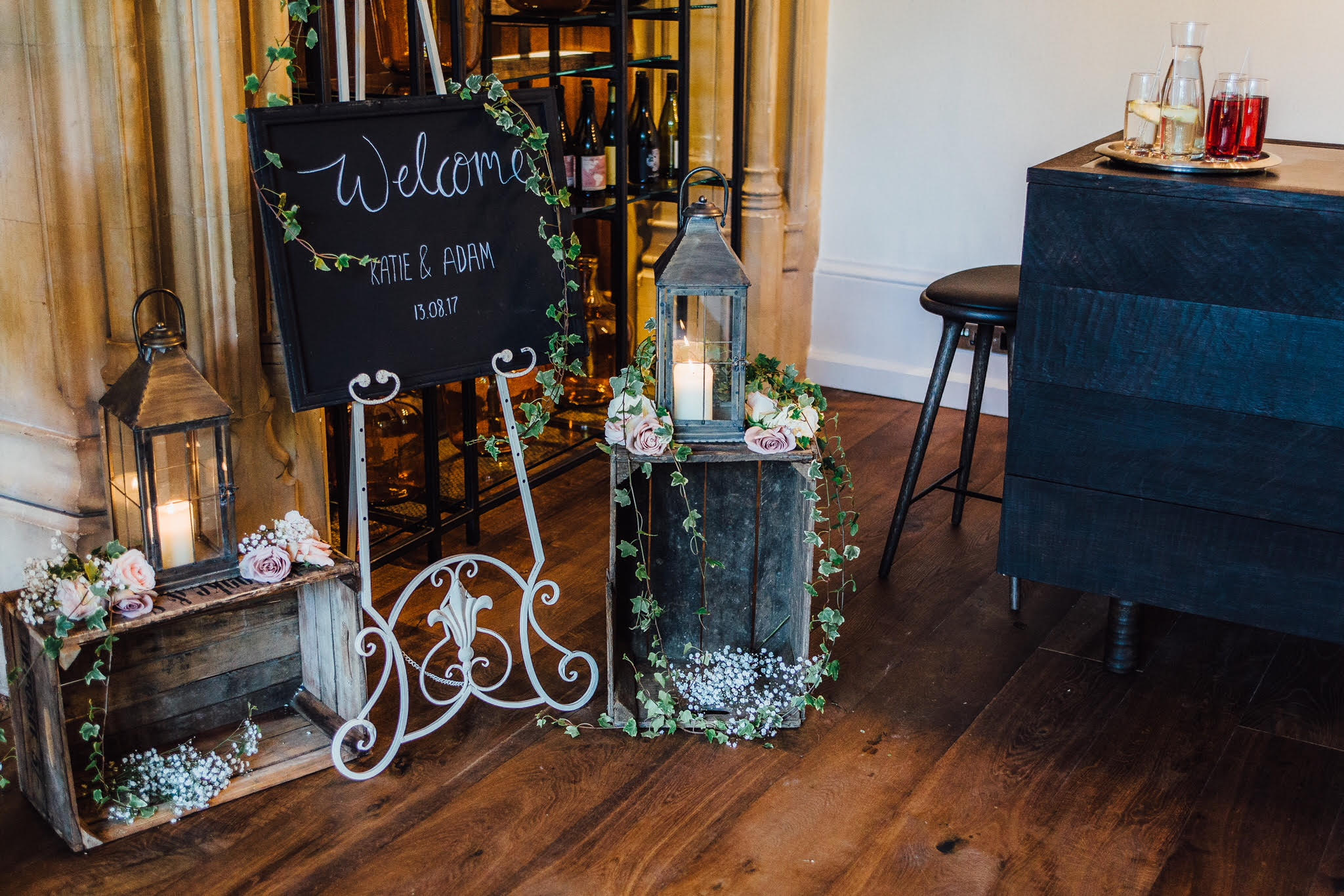Manor house wedding flowers passion for flowers for Blackboard hampton
