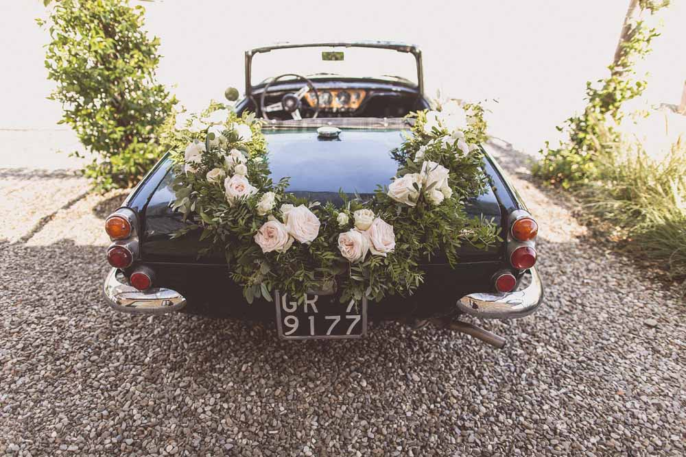 wedding car flower garland Passion for Flowers Italy Tuscany