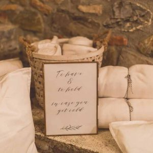 Keep cosy wedding blankets lanterns Italy Tuscany wedding