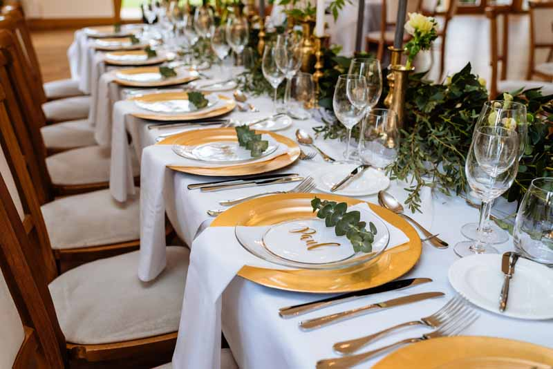 Organic-style-wedding-centrepieces-gold-green-white