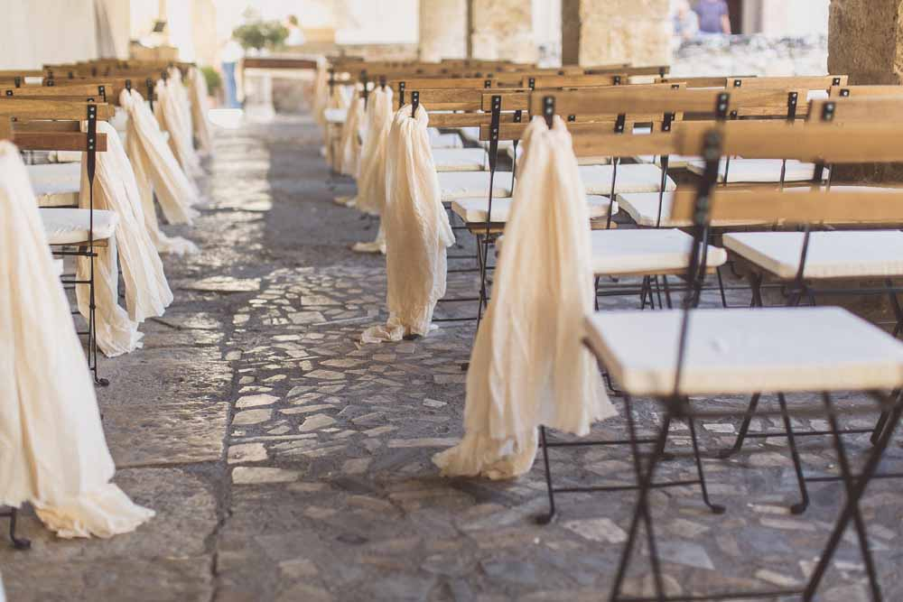 Linen table runners as aisle decorations Destination wedding Tuscany