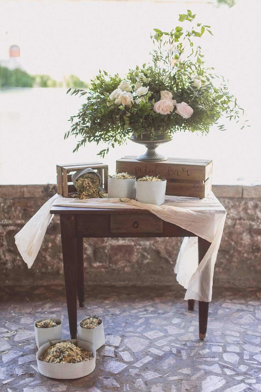 Petal bar, wedding confetti ideas. Destination wedding Tuscany