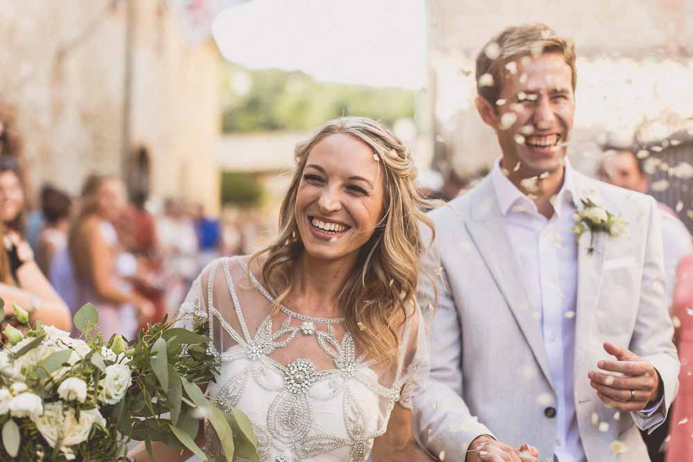 Destination wedding Tuscany confetti